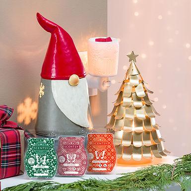 MT-HOME-Warmer-ChristmasGnome-TreetopsGlisten-SpiritOfJoyMini-R2-FW21 (1).jpg