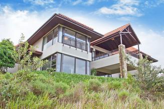 HOUSE HENNING