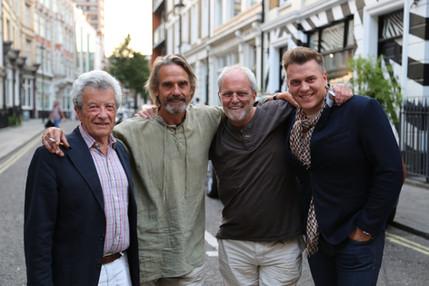 Gerald Rafshoon, Jeremy Irons, Brendan Donnison, Aleksandras Brokas