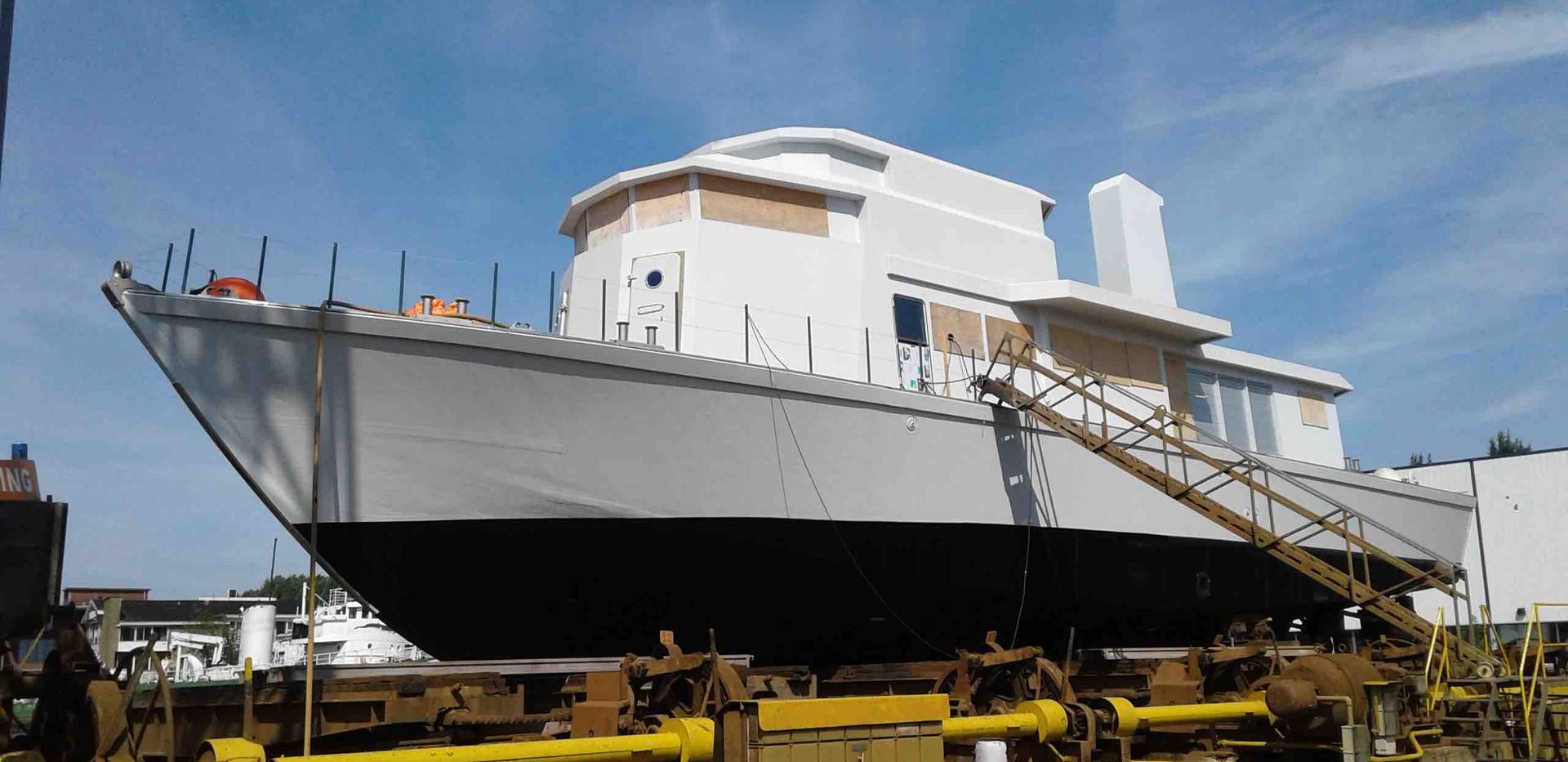 motor yacht 33m 2.jpg