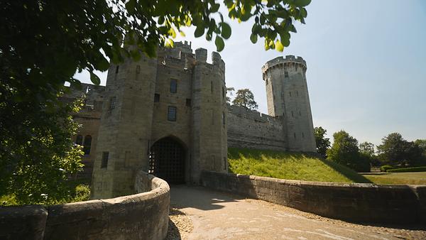 Warwick Castle_empty.png