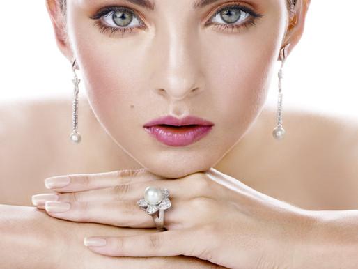 Beaucoup d'entre nous portent des #bijoux tous les jours sans penser que c'est une habitude.