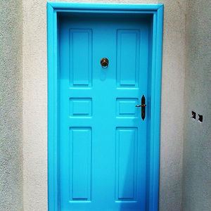 דלתות עתיקות משופצת