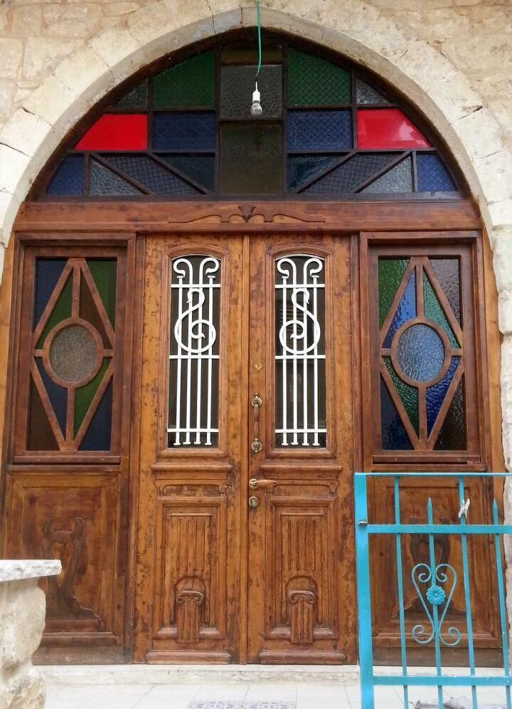דלת במסעדה בתרשיחא