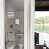 Flot Mult bathroom.jpg