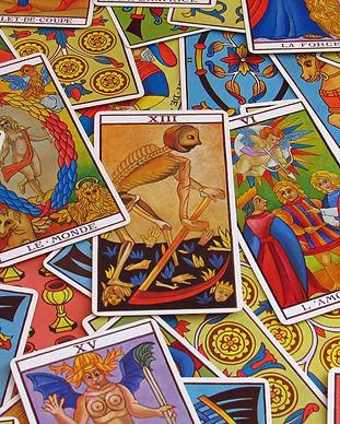 fortune-telling-2458920_1920.jpg