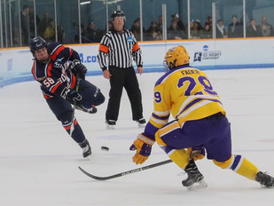 Pointers top Statesmen in national semifinals