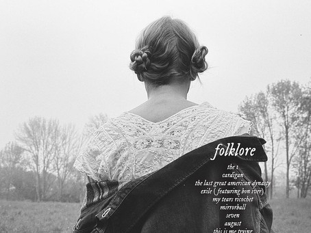 """Taylor Swift reveals a surprisingly moody look for her new album """"folklore"""""""