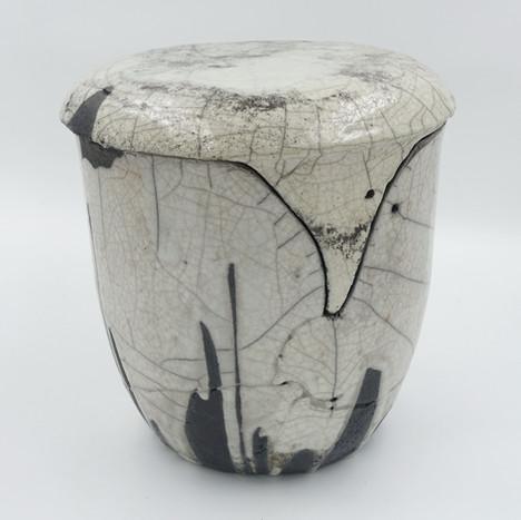 Raku-Urne für Aschekapsel