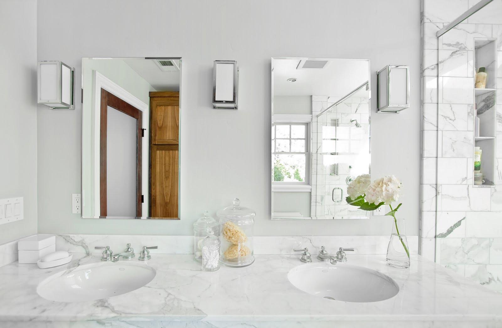 bathroom-beautiful-white-themed-bathroom