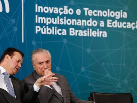 Todas as escolas públicas devem ter internet de alta velocidade até 2024