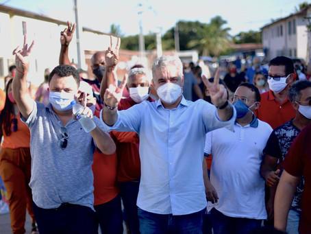 Zé Neto busca voto entre os moradores do Minha Casa Minha Vida