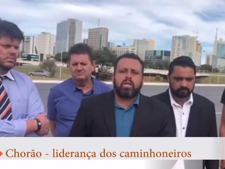 Após desocupar estradas caminhoneiros querem invadir Brasília