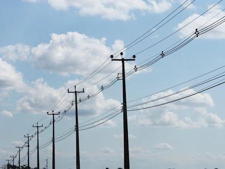 Postes da rede elétrica serão usados para levar internet a toda a Bahia