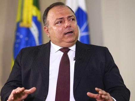 Ministro promete distribuição igualitária de vacina nos estados