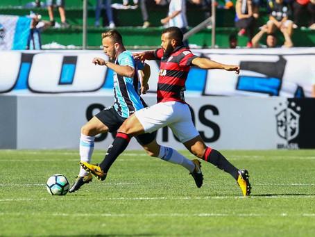 Vitória sai na frente mas não suporta pressão na casa do Grêmio
