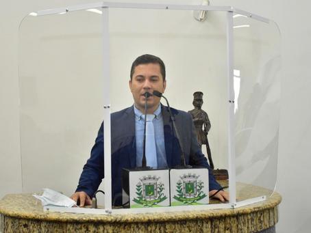 Projeto quer obrigar prefeitura a fornecer absorventes para alunas da rede municipal