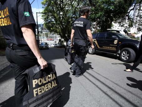 Polícia Federal apreende documentos em apartamento de Lúcio Vieira Lima em Salvador