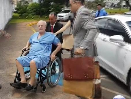 """Maluf viaja de jatinho rumo à """"prisão domiciliar"""" em sua mansão paulista"""