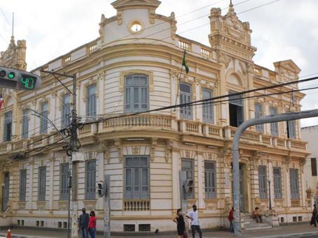 Prefeitura suspende algumas atividades segunda e terça