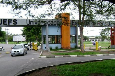 Quase dois mil candidatos inscritos no concurso para professor da Uefs