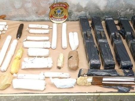 Polícias Militar e Federal encontram lancha cheia de material para assalto a banco