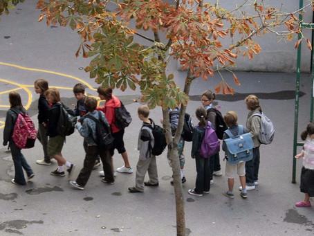 Escola será obrigatória para crianças a partir de 3 anos de idade na França