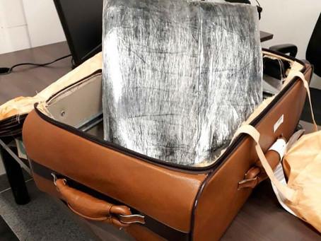 Casal tentou embarcar em Salvador com 6,5 quilos de cocaína para Portugal