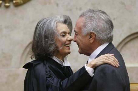 Cármen Lúcia diz que não vai apurar espionagem porque Planalto negou