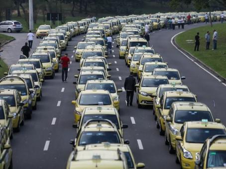 Em detrimento do usuário, ACM Neto protege taxistas em Salvador
