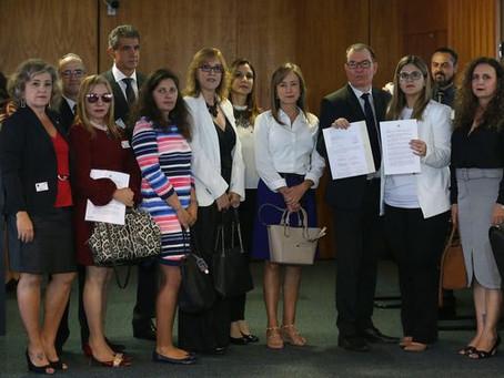 Juízes e promotores entregam abaixo-assinado a favor de prisão após segunda instância