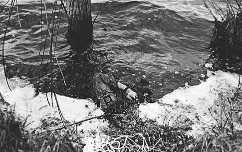 Cotentin Paratrooper drowned.jpg