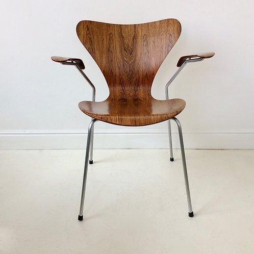 Arne Jacobsen Rosewood Chair n°3207 by Fritz Hansen, circa 1955, Denmark.