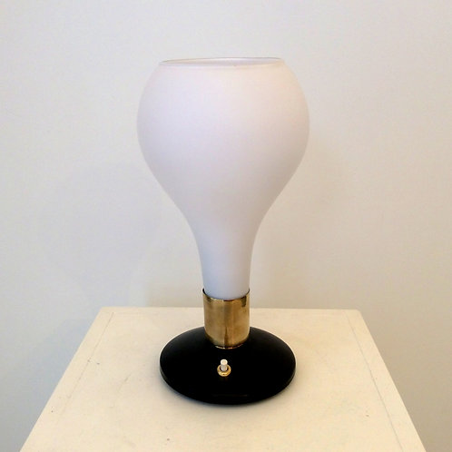 Opaline Table Lamp, attributed to Stilnovo, circa 1960, Italy.