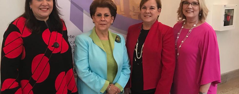 Lilly, Dra Novello & Asoc Americana Contra el Cancer.jpg