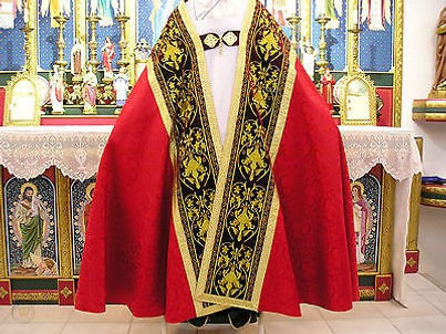 red-gold-vestment-roman-cope-velvet_1_02