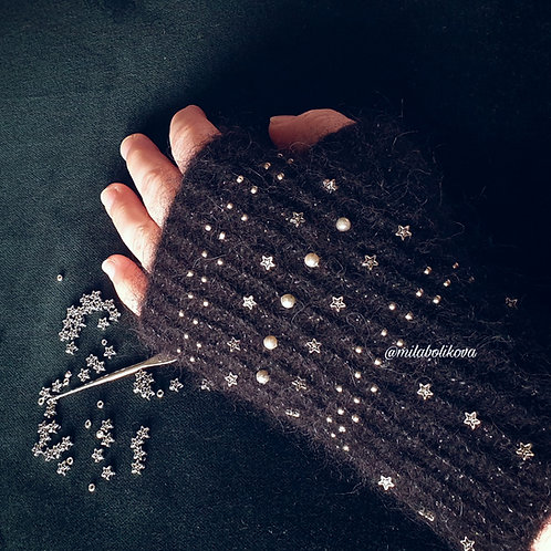 Winter's gloves Silver stars