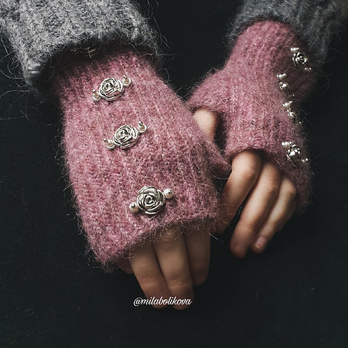 Short winter's fingerless gloves Silver Roses