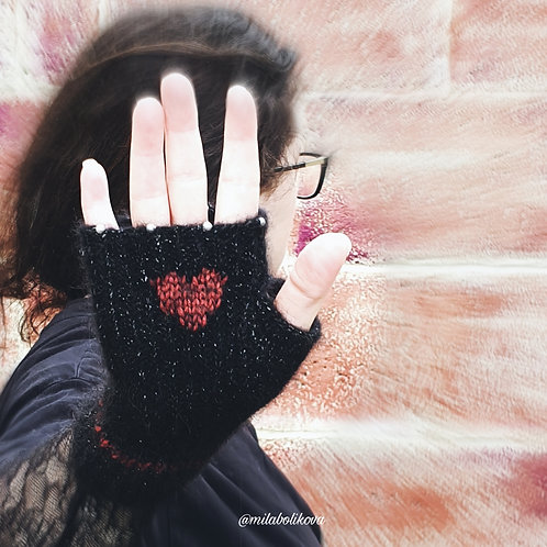 Short winter's fingerless gloves Love
