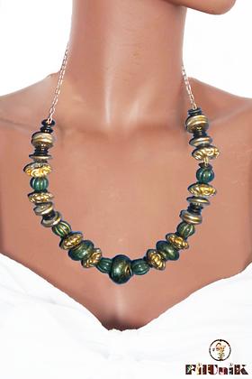 Collier rétro métal doré et perles vertes