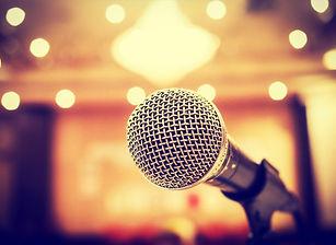 20150812205130-microphone-public-speakin