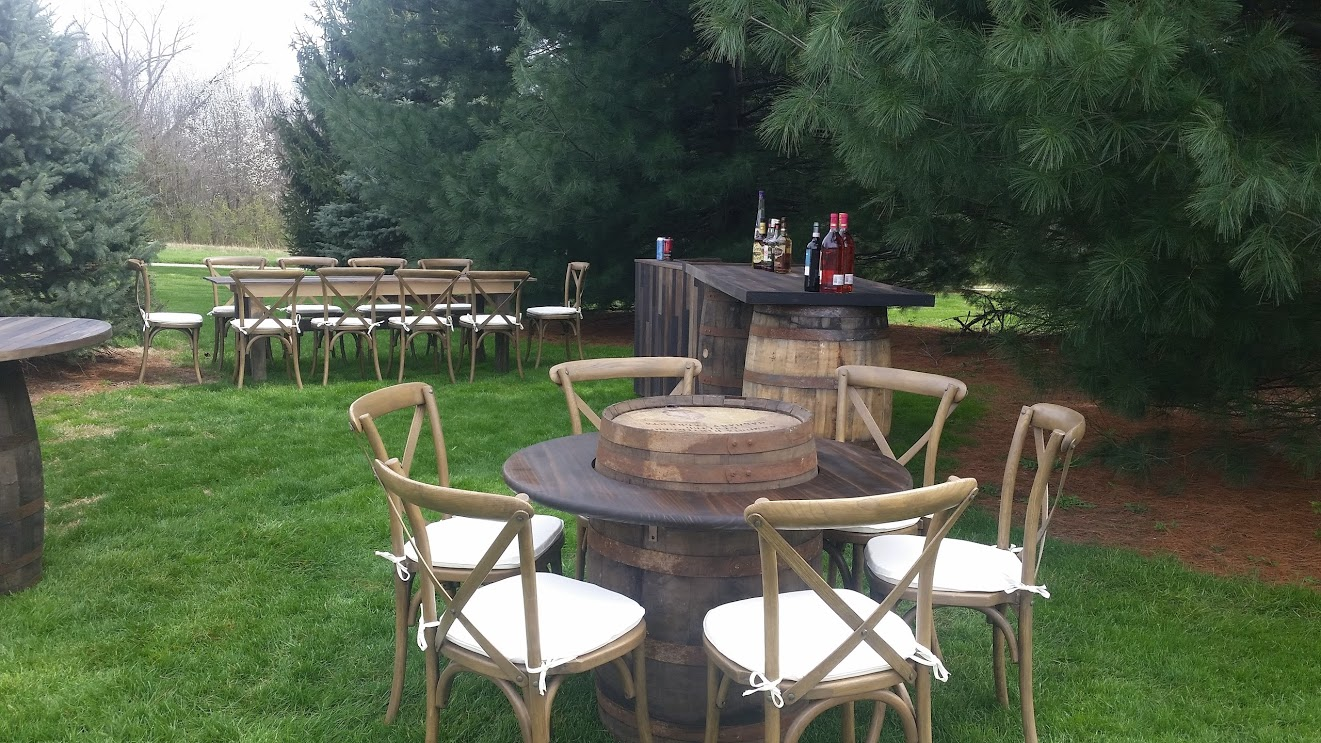 Vineyard Tables & Chairs