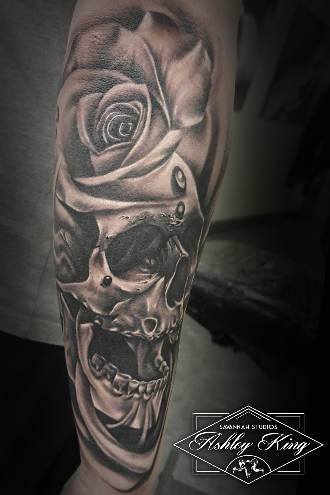 Skull and rose head