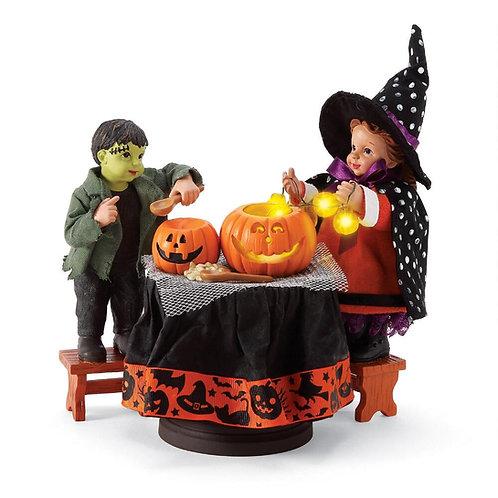 Carving Pumpkins Figurine Set