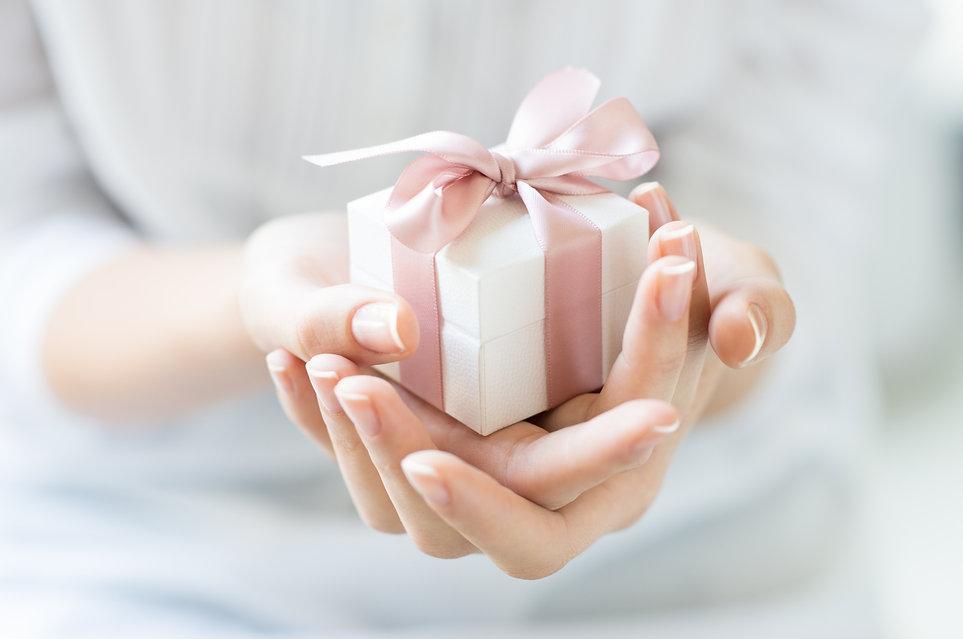 romantic-gift-box.jpg