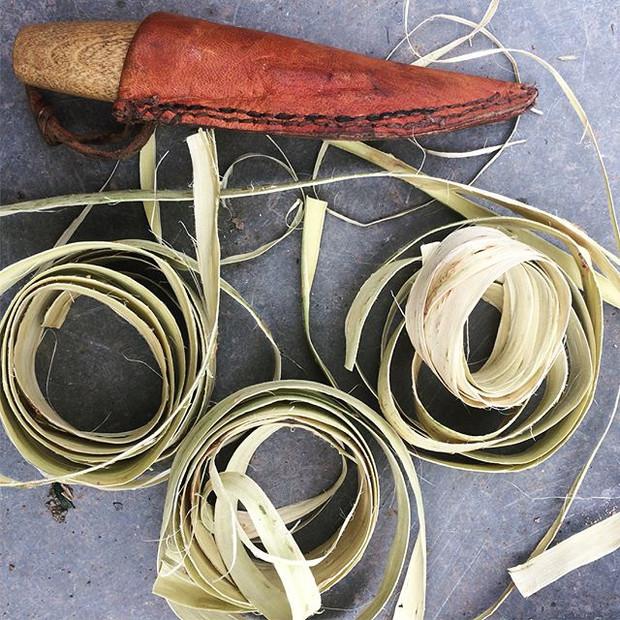 Willow bark prepairing for baskets