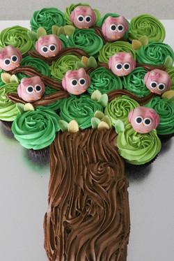 """Owl-Pop"" Tree Cake"