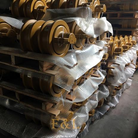 Excavator bulldozer Track roller F&L -9.