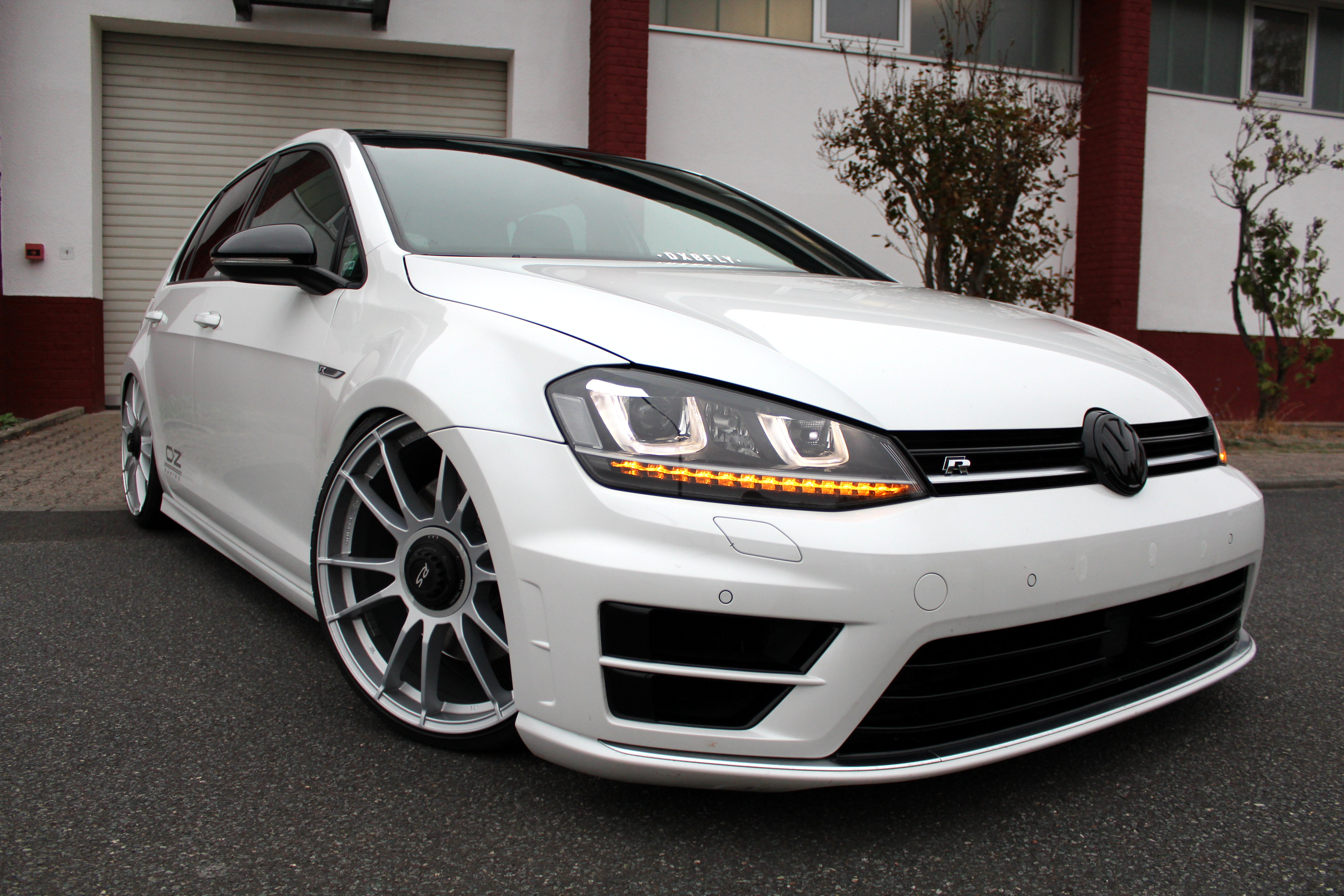 Custom VW Golf 7R