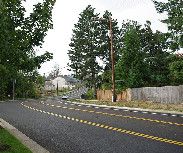 800px-Bull_Mountain_Road_in_Tigard_Oregon.JPG